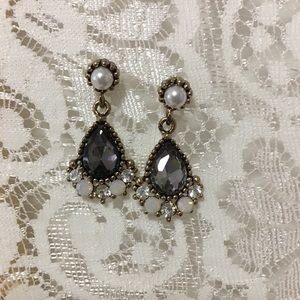 Jewelry - A Pair of Earrings